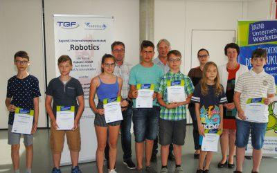 Erfolgreiche Jugend-Unternehmenswerkstatt Robotics zog Bilanz